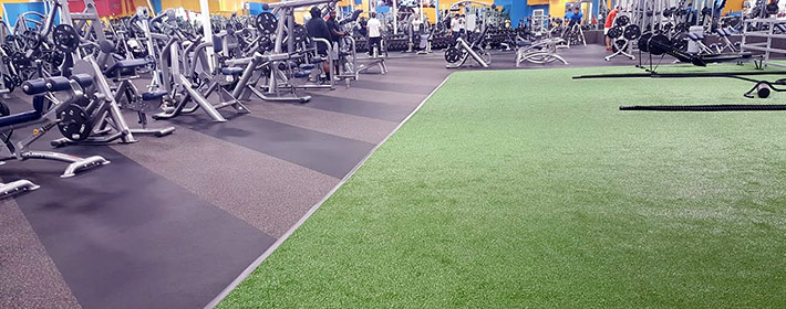 Artifical turf flooring with rubber flooring from Zogics.